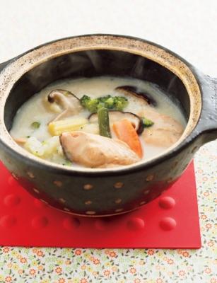 ホワイトソースや生クリームを使わずつくれる! さけのクリーム鍋