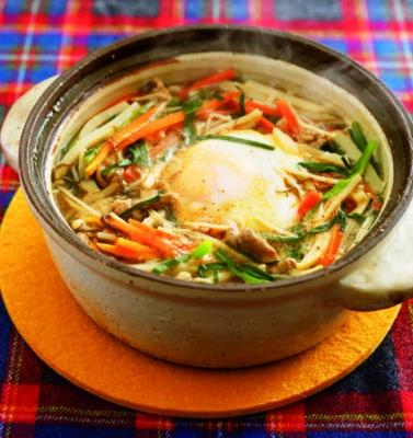 ピリ辛スープで代謝アップ! サンラータン鍋