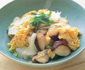 白菜と卵の中華風炒め煮