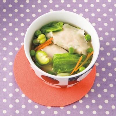 春キャベツと豆野菜のワンタンスープ