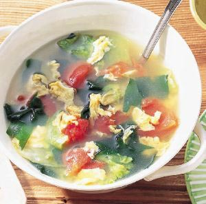 レタスとわかめの卵スープの完成イメージ
