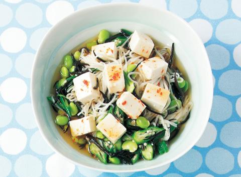 ころころ豆腐と枝豆のうま辛ひじきそうめん