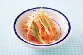 にんじんとじゃがいもの和風サラダの完成イメージ