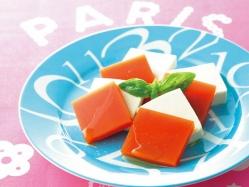 トマトジュース寒天のカプレーゼ風の完成イメージ