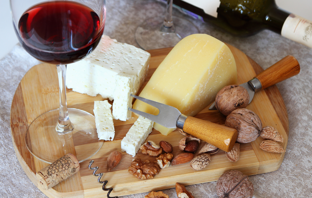 ナッツとチーズとワイン