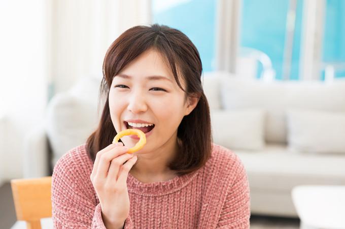お腹がいっぱいなのにまだ食べたい…!正しい食欲コントロール法
