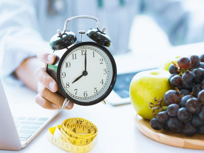 不規則生活でも太らない!食べるタイミング3大原則