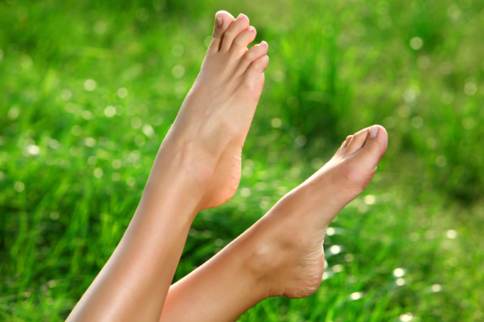 簡単マッサージ&エクササイズでキュッと締まった足首を作る!