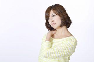 PMS(月経前症候群)の肩こりを少しでもラクにする方法4つ