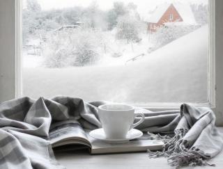 気分の落ち込み、過食、過眠…それ「冬季うつ病」のサイン?