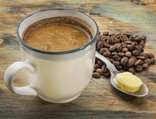 「バターコーヒー」と同じ効果が期待できる!?「オイルソイラテ」