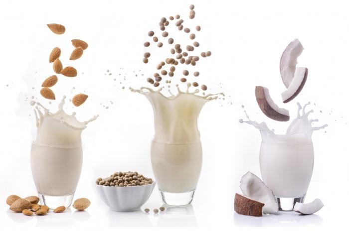ココナッツミルクなどの植物性ミルクはキレイ痩せ効果が抜群だった!