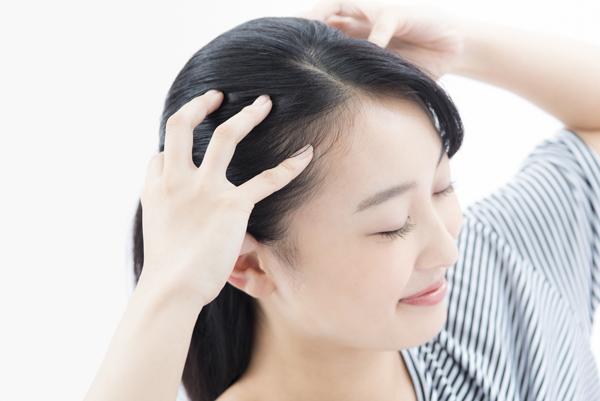 頭皮の疲れは心の疲れ? 頭皮診断でわかるあなたのストレス度