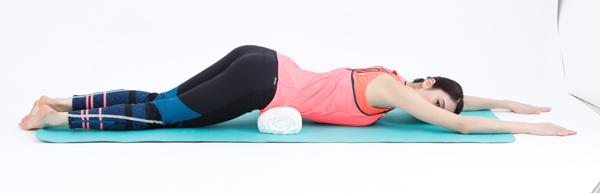 便秘・肩こりはゴロ寝で改善!? お腹やせもできる骨盤枕で不調ケア