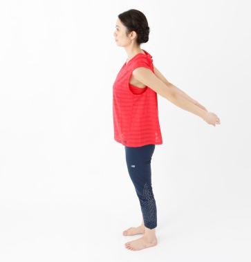 1日3分腕をふるだけ! ガチガチに固まった肩こりがスッキリ解消する腕ふり体操