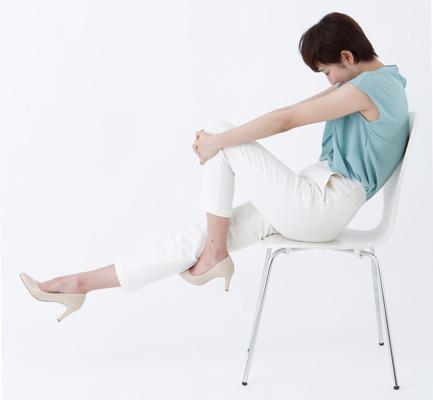 すき間時間で「肩こり」解消! 座ってできる簡単ストレッチ