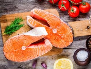 赤身魚、青魚、白身魚…ダイエット中に向いている魚を色別に解説!