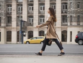 人生が変わる!13kgやせたモデル仁香さんが教える正しい歩き方