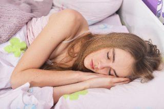 靴下や厚手パジャマも原因に? 安眠を妨げる4つのNG習慣