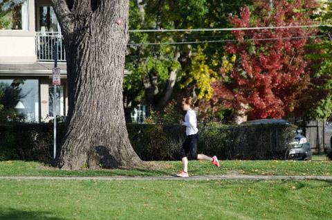 歩く速さで走るだけ! スロージョギングの効果を高める2つのポイント