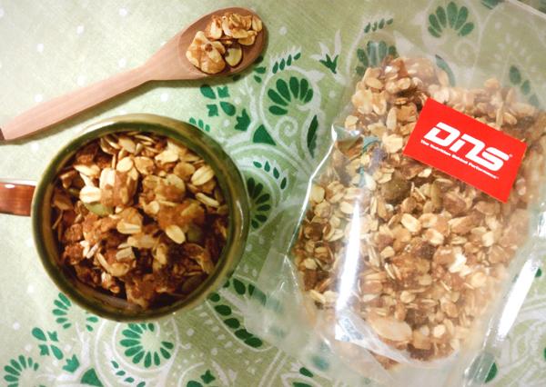 女性の筋トレ効果に! 朝と間食に食べる「プロテイングラノーラ」
