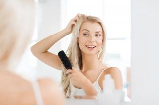「化粧変えた? ってレベルで違う」「髪の毛のボリュームアップ術&逆毛テクニック」で華やかに大変身