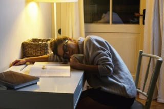 食欲の暴走は睡眠不足のせい!? 肥満や肌トラブルを解決する「深睡眠」とは?