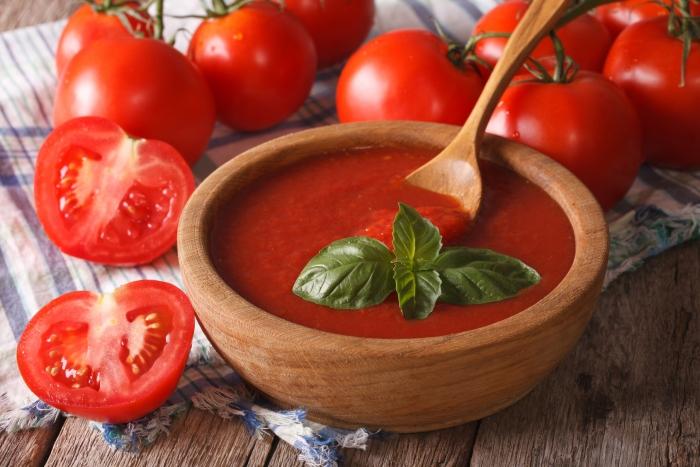 トマトをだし代わりに活用!?簡単うまみアップの作り置きレシピ