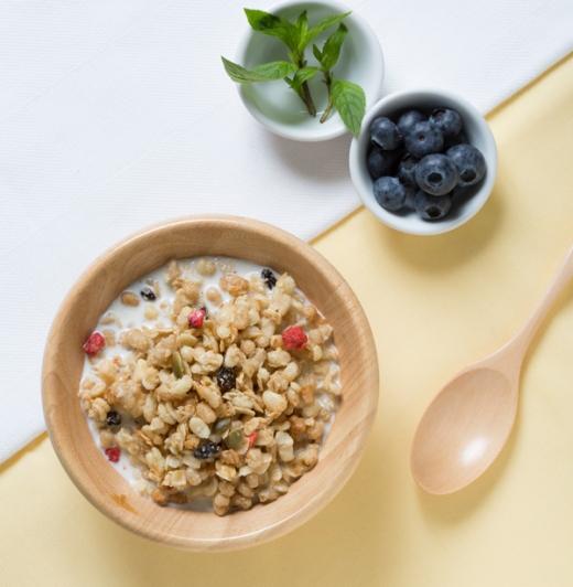 読者1000人が選んだNO.1グラノーラ、カルビー「フルグラ」が朝食に選ばれる理由