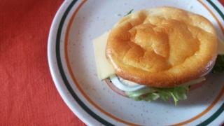 卵だけでパン!? 話題のグルテンフリーのふわふわパンを作ってみた!