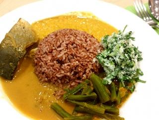 スパイスカレーがまろやかになる、刻んで混ぜるだけの三つ葉の時短サラダ #Omezaトーク
