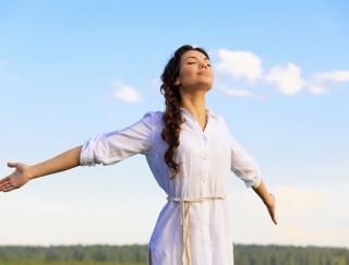 """自分を""""樹木""""だと思い込む呼吸法!? 由美かおるさんが30年実践してきた「究極のアンチエイジング法」"""