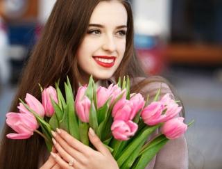 つくり笑いでニキビを解消!? 美容医学のスペシャリストが教える春の肌トラブル解消法