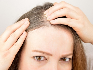 20〜30代の薄毛・白髪で悩む女性が急増中! ヘアケアの「基本」で髪の毛が生き返る洗い方