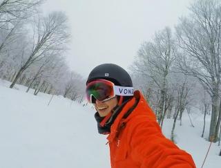 東京駅から1時間半!手ぶらで気軽に日帰りスノーボードを楽しもう!