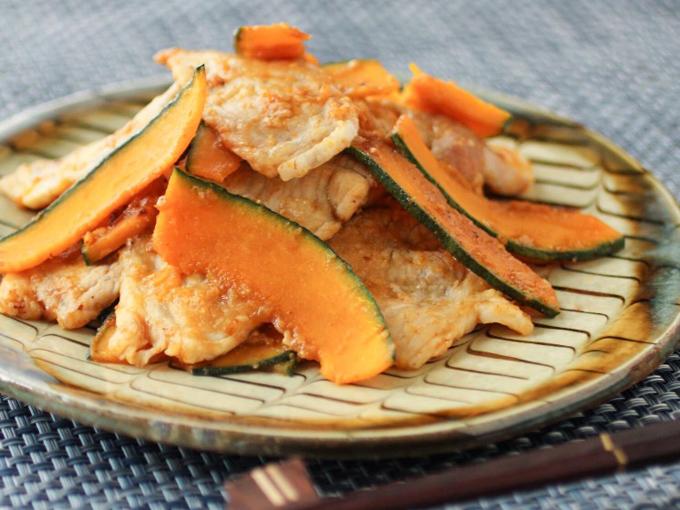 生姜を使ったレシピかぼちゃと豚肉の炒め物