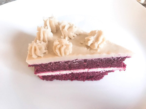 ビーツを使ったローフードケーキ