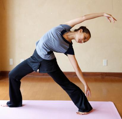 しなやかで美しい筋肉をつくるバレエ体操ストレッチを体験してみた!