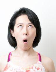 パッチリ目を作る「顔ヨガ」で目尻のシワ、目の下のたるみを解消!