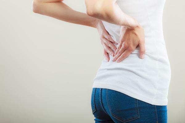 もむ、さする、たたく…簡単な手技でできるツラ~い腰の痛み解消法