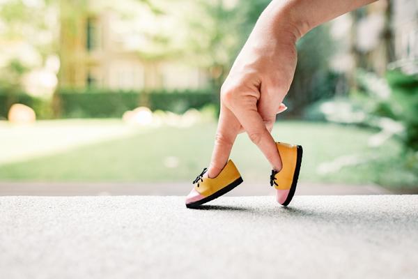 靴下が片足で履けない、椅子から立ち上がれない… 若い女性に急増中の「ロコモ」っていったい何?