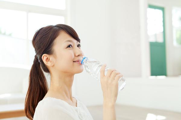 冷え・むくみ・頻尿に注意! 「水はたくさん飲むといい」は間違い
