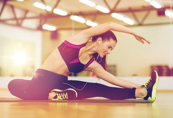 肩こりや腰痛がツラい…! 体の違和感を解消するストレッチ7選