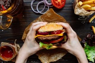 「糖質制限で牛丼屋に行く時代がくるとは…」外食チェーン店の「糖質制限メニュー」が話題