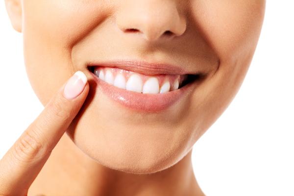 「毒出しうがい」で小さな食べカスまでスッキリ! 実は怖い歯周病とお手軽歯周病ケア