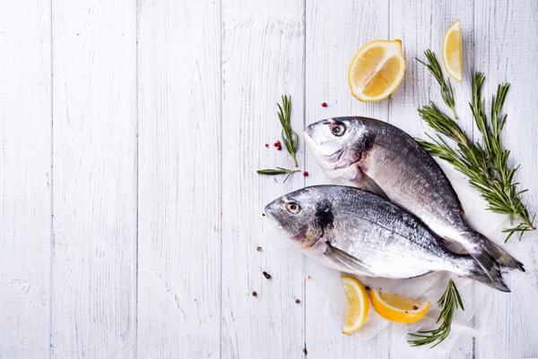 赤身魚、青魚、白身魚。ダイエット中、いちばんオススメな魚はどれ?
