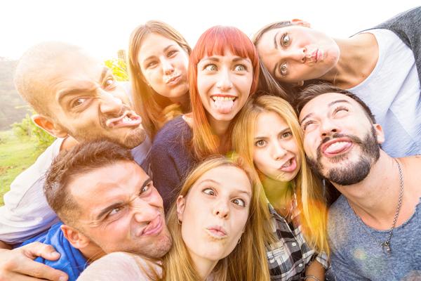 「変顔」アプリがフェイシャルエクササイズに役立つ!? 表情筋を鍛えて目指せ小顔!