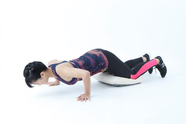 大きい筋肉にアプローチする代謝アップ筋トレで、冬太り対策を!