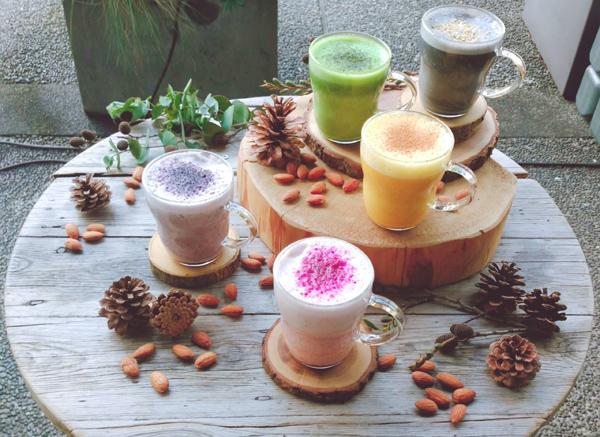 朝の一杯が温活に!5色のホットアーモンドミルクで冷え対策