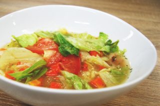 1/2日分の野菜がとれる! セブン新作「8品目の野菜スープ」